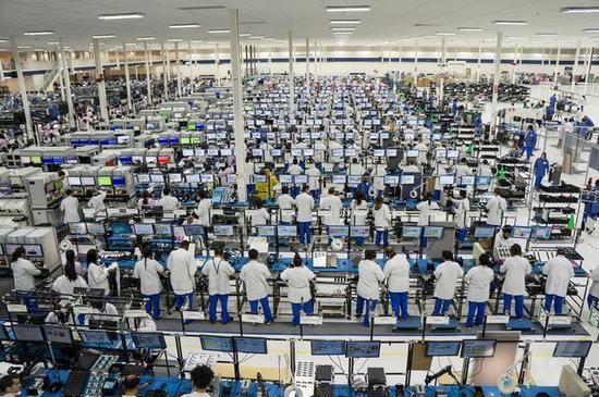 美国制造业3年来首次出现萎缩,订单与雇佣人数均下滑