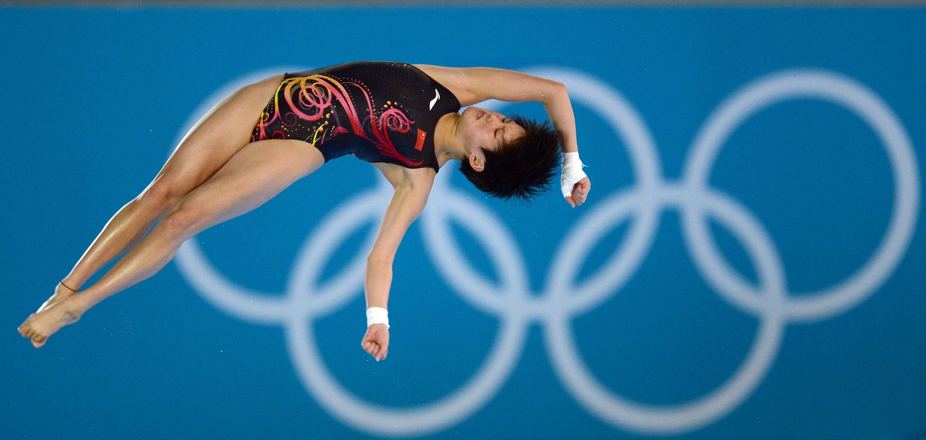 12年伦敦奥运会跳水_(陈若琳2012年8月9日在伦敦奥运会女子10米跳台决赛中 新华社)