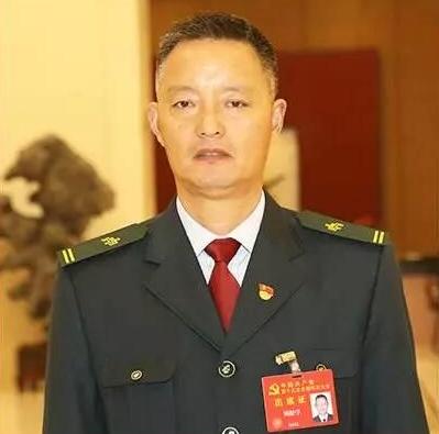 基层代表在北京丨顾松学:当好?#20107;?#19978;的先锋模范
