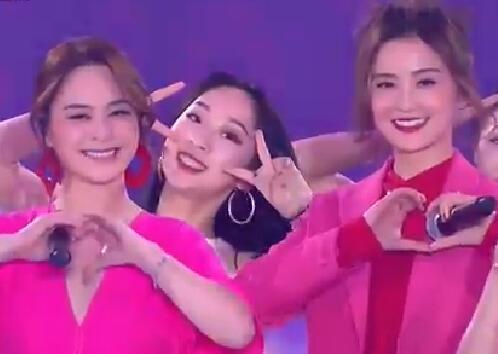 2019江苏跨年丨Twins合体 阿娇婚后首秀 网友惊呼:青春啊!