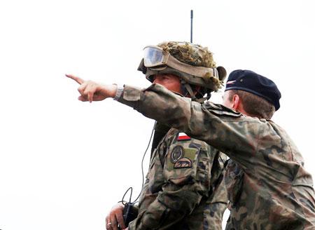 拉脱维亚举行多国联合军演