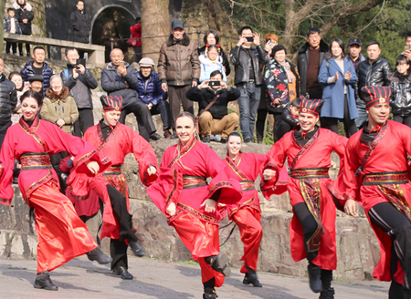 Int'l students celebrate Spring Festival in Suzhou