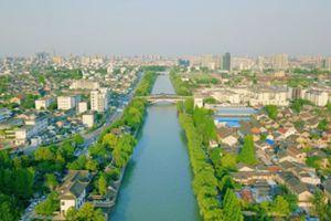 航拍扬州古运河 绿树成荫信步游