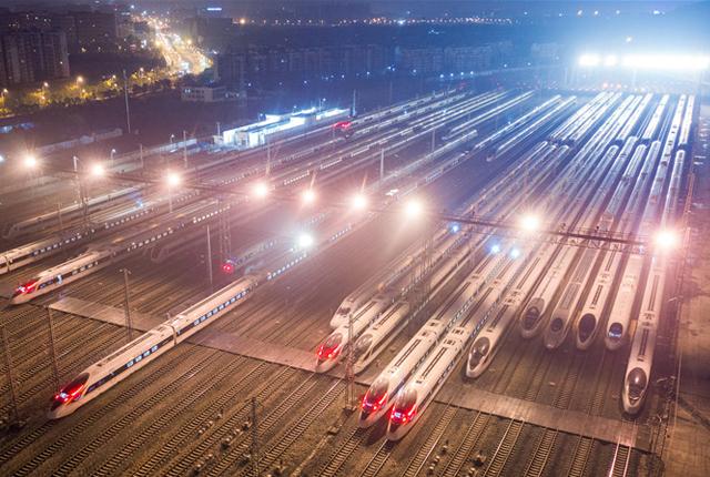 """南京:2020年春运启幕动车组列车""""万箭""""待发"""