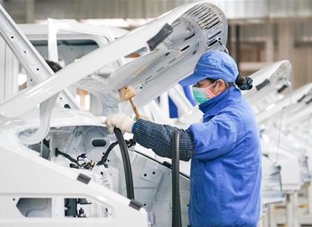 Motor company in Nanjing rushes to work to ensure supply of motor vehicles