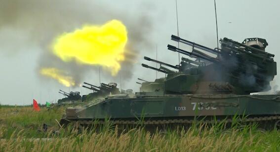 以快制快!防空分队跨昼夜实弹演练 荔枝军事